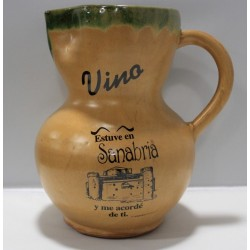 Jarra de vino en cerámica