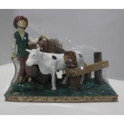 Figura de Ganadero y vaca